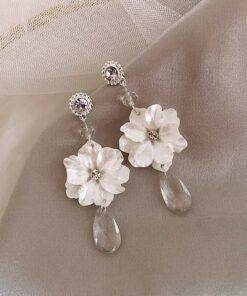 Vintage flower Drop earrings Earrings Jewelry Items 8d255f28538fbae46aeae7: 1